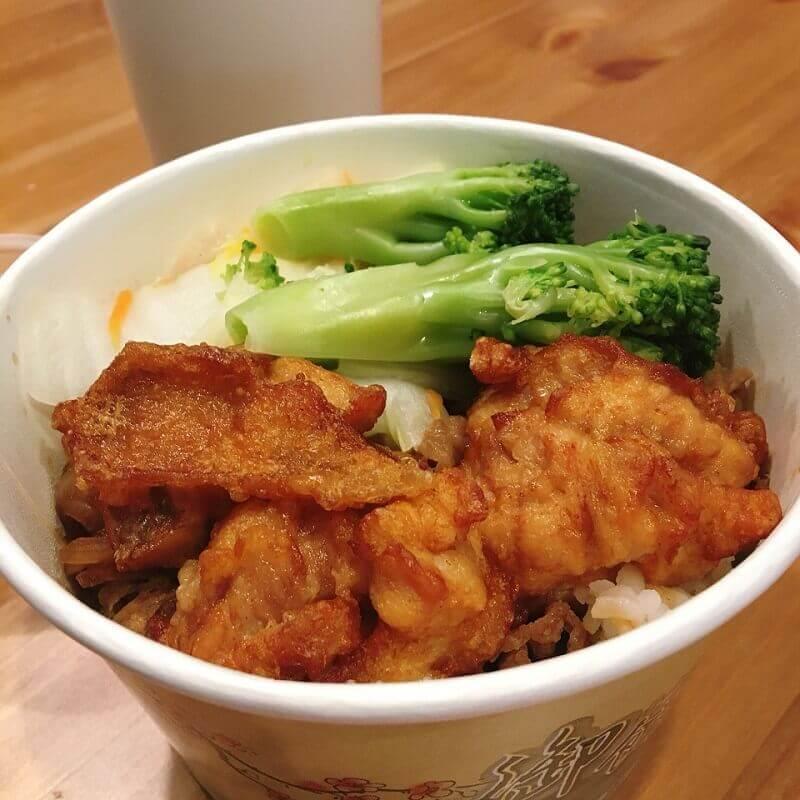 午餐時間-炸雞丼飯